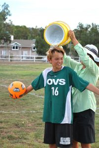 henry-b-soccer-ice-bucket