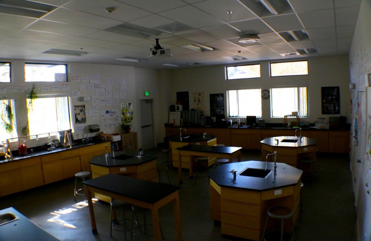 Upper Campus - Arango Sci-Tech/ Bio Lab